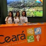 Meninas do Ceará recepcionam o público final na BTL