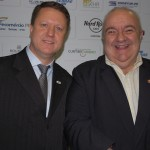 Pedro Kempe, presidente da Abav-PR com Rafael Greca, prefeito de Curitiba