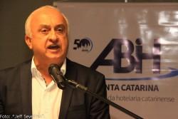 Nova diretoria da ABIH-SC toma posse