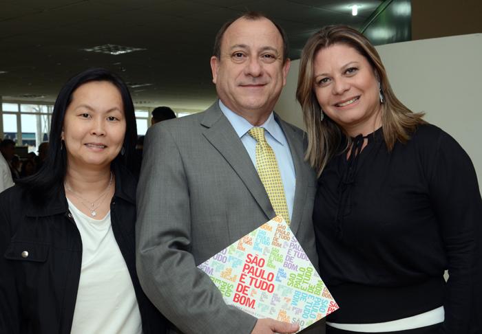 Aline Haranaka, da Aviesp, Toni Sando e Sara Souza, do SPCVB