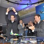 Antonoaldo Neves e José Mario Caprioli comemoram o IPO da Azul