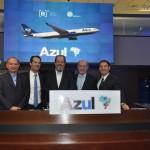 Eduardo Sanovicz, presidente da Abear, entre Antonio Américo, Antonoaldo Neves, Fernando Pinto e José Mario Caprioli