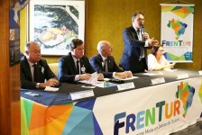 Frente Parlamentar de Turismo pede apoio político para fomento ao setor