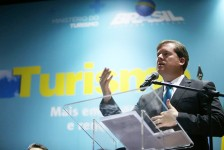 MTur: trade aposta em retomada da economia em 2017