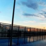 Reflexo da piscina