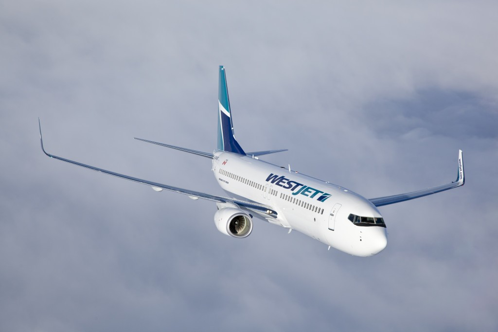Westjet 737-800 air to airWestjet 737-800 air to air