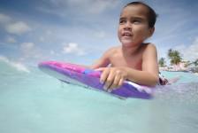 Barbados promove hospedagem e atrações gratuitas para crianças