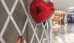 RIOgaleão comemora Dia dos Namorados ao estilo de Paris