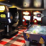 Navio conta com espaço de jogos eletrônicos