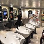 Salão de beleza e barbearia também são opções para os hóspedes