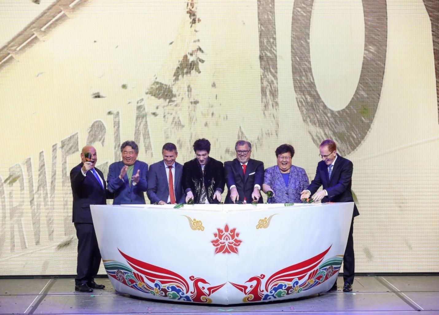 NCL batiza Norwegian Joy em cerimônia luxuosa na China