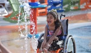EUA inauguram parque aquático voltado para pessoas com deficiências