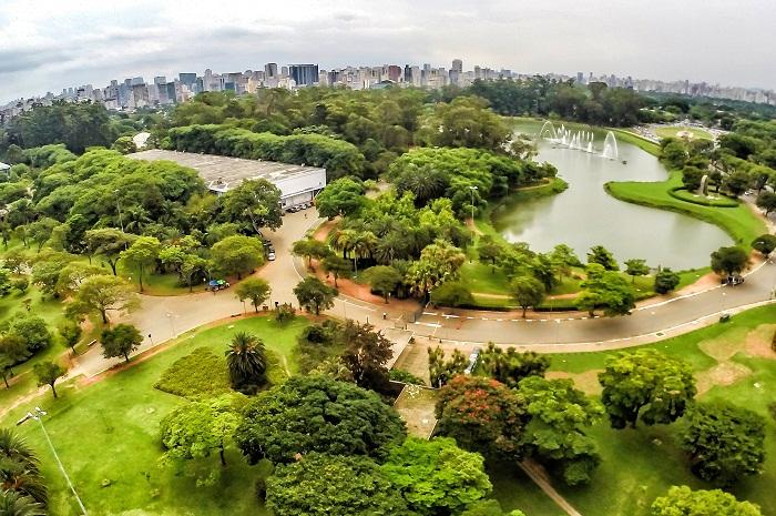 O Parque do Ibirapuera, conhecido pelo lago com chafarizes iluminados, deverá ser privatizado até o fim de 2017 (Foto: Parqueibirapuera.org)