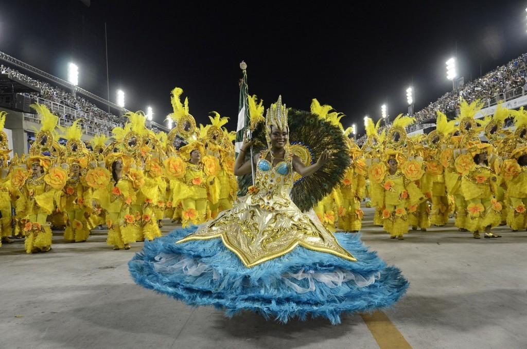 Carnaval do Rio atrai turistas de todo o mundo