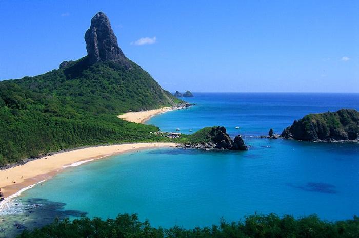 Destinos como Fernando de Noronha, em Pernambuco adotaram soluções para combater a superlotação de turistas