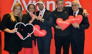 """""""Quem voa, ama"""" é o tema da nova campanha da Avianca; conheça"""