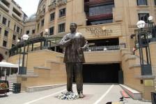 99 anos: pontos turísticos homenageiam Mandela na África do Sul