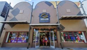 Disney Springs ganha loja exclusiva do Pelé; veja detalhes