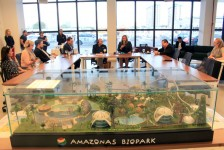 VP da Disney visita o Amazonas