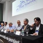 Cipriano Feitosa, presidente do Angra CVB saúda o público
