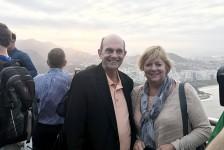 Greg Hale chega ao Brasil, vem ao Rio e visita o Pão de Açúcar