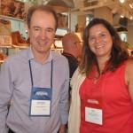 José Eduardo, da Flot, e Erica Valbuena, do Atlantis Paradise Island Bahamas
