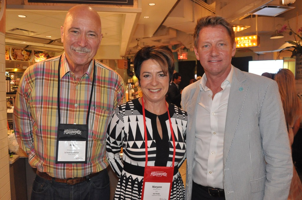 Rick Still, diretor do La Cita, Maryann Ferenc, presidente do Visit Florida, e David Downing, CEO do Visit St Pete & Clearwater