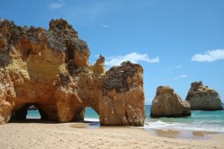 4 praias para conhecer no Algarve