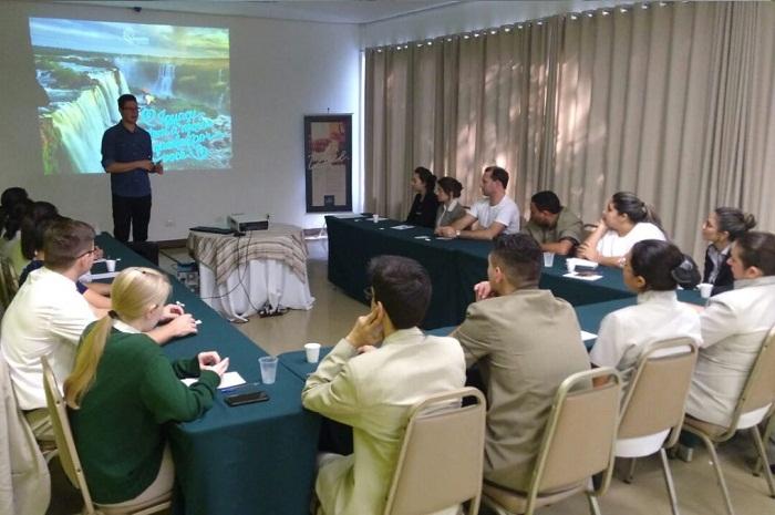A intenção é informar os trabalhadores das empresas associadas, o que faz e para que serve o Iguassu CVB (Foto: Divulgação)