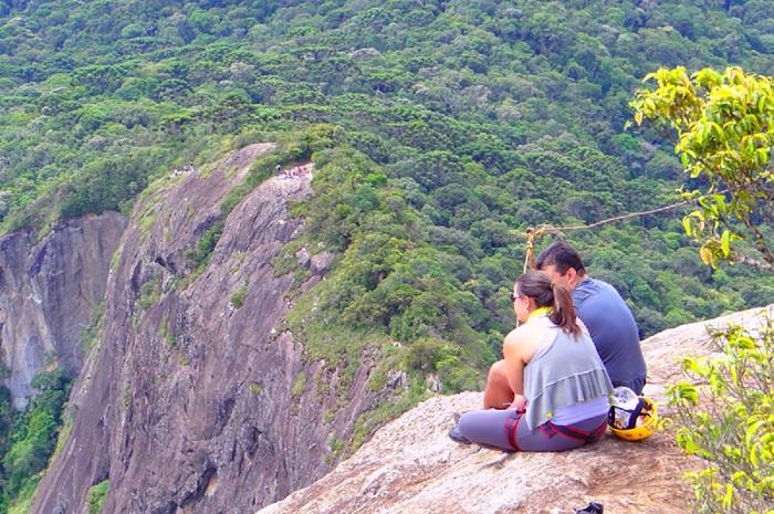 O ecoturismo, como a subida à Pedra do Baú, ganhou maior destaque com a ampliação (Foto: Divulgação)