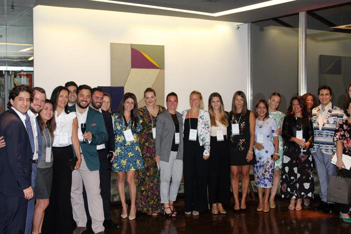 Delegação dos hoteleiros com o pessoal da Leading