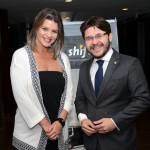 Gisela Oliveira, da Shift, e Gilson Lira, da Embratur