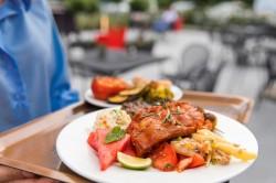 Metade dos viajantes escolhem destinos pela culinária