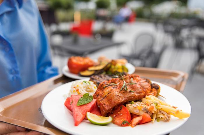 50% dos viajantes querem conhecer gastronomia local