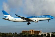 Aerolíneas planeja suspensão de 7,5 mil trabalhadores; sindicatos reagem