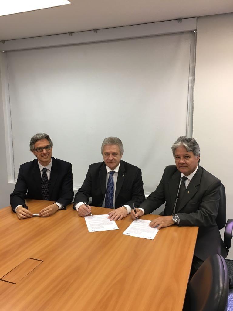 Marco Ferraz, presidente da CLIA Brasil,  Renê Hermann, presidente do Conselho de Administração da CLIA Brasil, e Márcio Santiago, presidente do Brasil Convention