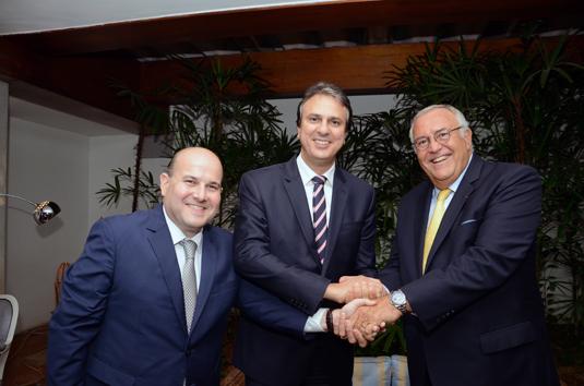 Roberto Claudio, prefeito de Fortaleza, Camilo Santana, governador do Ceará e Patrick Alexandre, da Air France-KLM