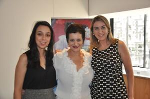 Sandra Pasetto, representante de vendas da Air Canada, entre Bianca Pizzolito e Luciane Leite da Reed
