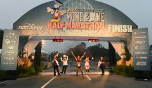 Atleta brasileira é a vencedora da Disney Wine e Dine Half Marathon