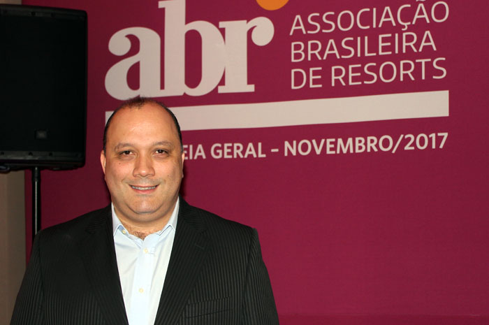 _Alberto Cestrone, novo presidente da ABR