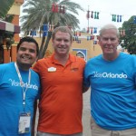 Andre Almeida e Alan Ritchye, do Visit Orlando, com Felipe Timerman, do SeaWorld