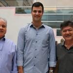 Carlos Prado, VP, Rubens Scwartzmann, presidente, e Tanabe, diretor-executivo da Abracorp
