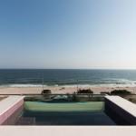 Essa é a vista da piscina privativa da suíte (LSH/Divulgação)