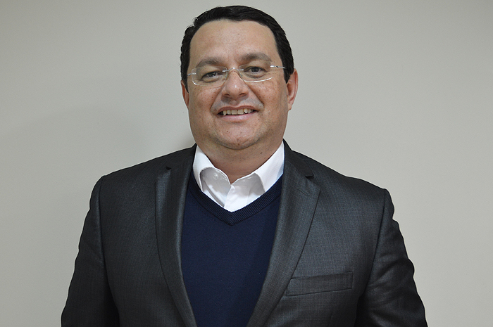 """""""É necessário preservar o caixa o máximo possível até que volte a entrar receita"""", diz o consultor Lucio Oliveira"""