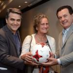 Marcelo Patelli e Valter Patriani, da CVC, com Mari Masgrau, do M&E