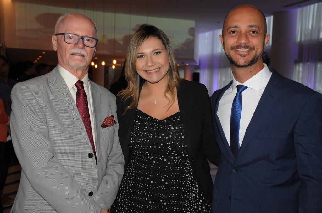 Paulo Pimenta, gerente de Contas, Lia Coutinho, gerente de Vendas e Marketing,  e Daniel Pompeu, gerente geral do LSH Hotels