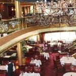 Restaurantes amplos e luxuosos