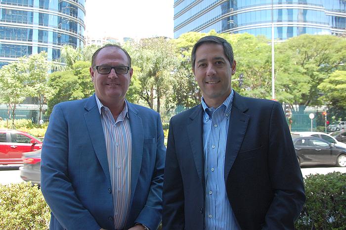 Frank Belzer e Marcos Barros, da Universal Orlando
