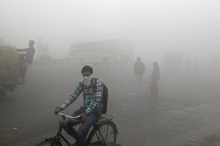Nova Delhi ficou encoberta pela grande nuvem de poluição (Foto: Skift.com)