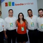 Juliana Luengo com sua equipe da Bedsonline